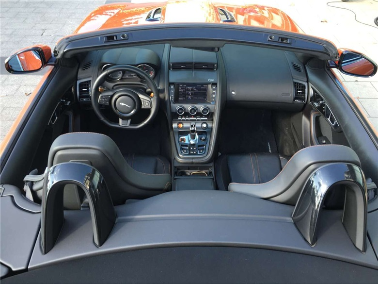 三亚租兰捷豹5.0车型实拍图片
